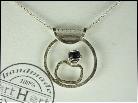 Κοσμήματα με ιδιαίτερες συνθέσεις για εσάς που θέλετε να ξεχωρίζετε για τις  επιλογές σας. Σας προτείνουμε να διαλέξετε ανάμεσα σε δαχτυλίδια 74aaabba3d5
